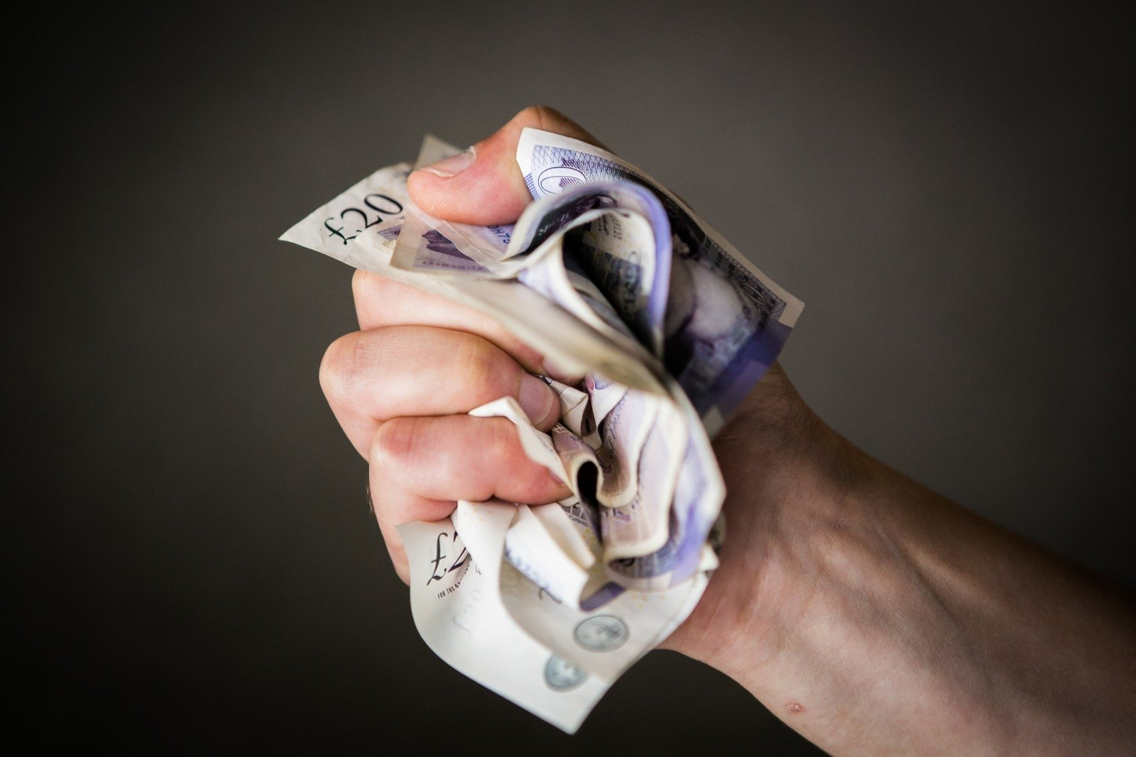 darbas internete pensininkams be investicijų visokius pinigus užsidirbti