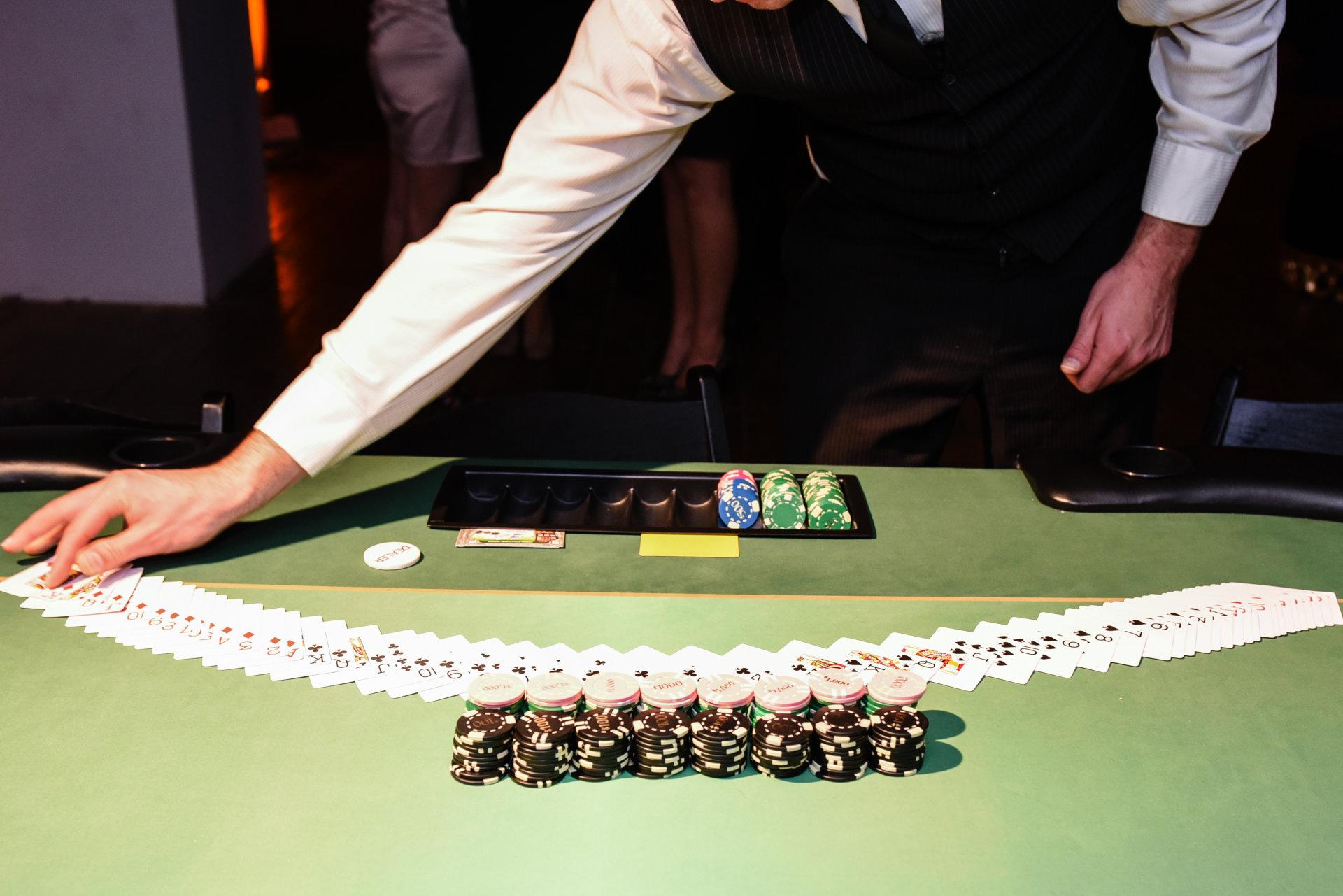 Dvejetainiai variantai azartiniai lošimai ar ne