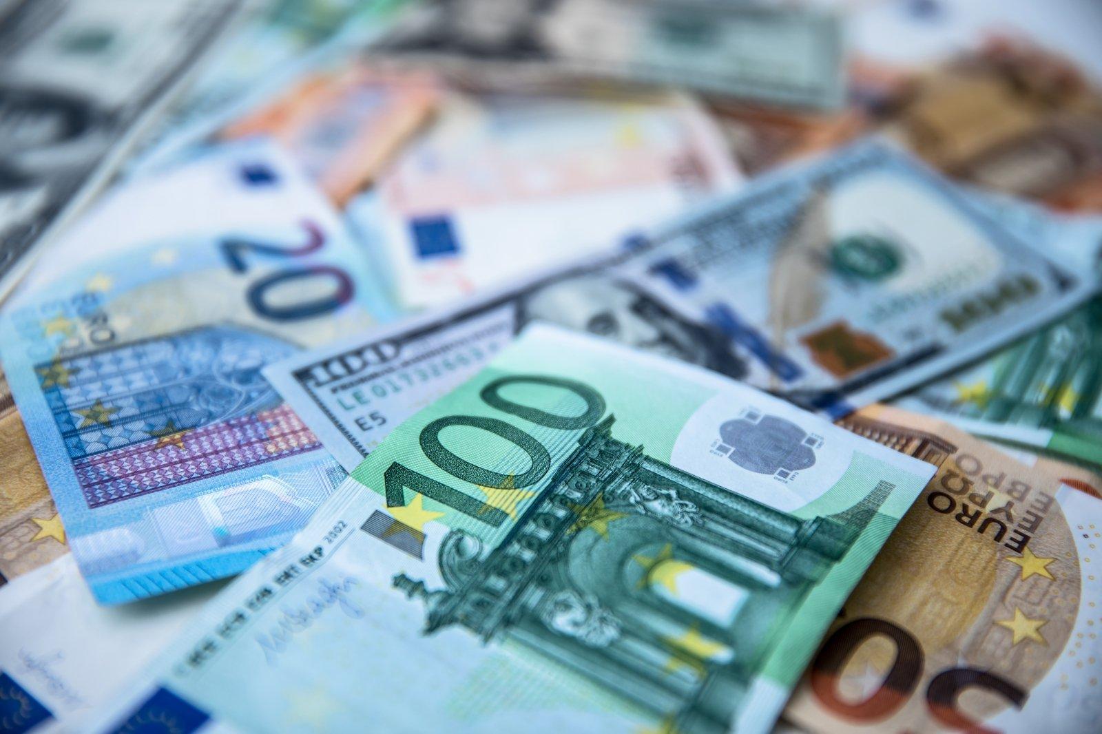 pajamos iš interneto srauto per