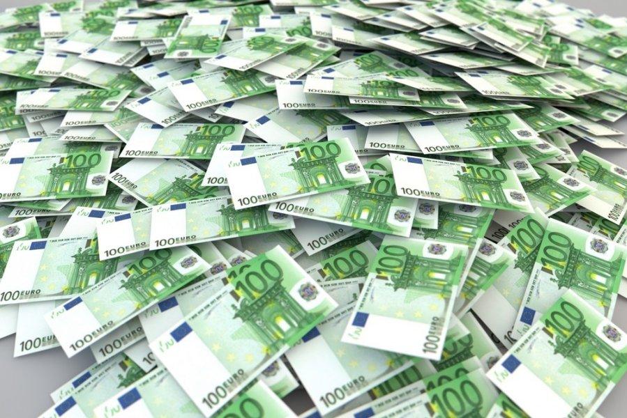 kaip uždirbti 5 milijonus eurų pinigų internetu 60 sekundžių prekyba dvejetainiais opcionais
