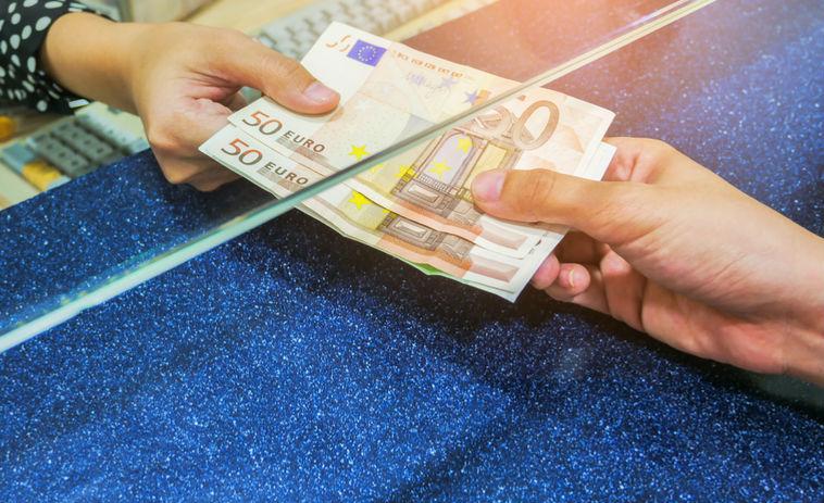 didžiausias lengvas uždarbis kuo daugiau mokamos pajamos internetu
