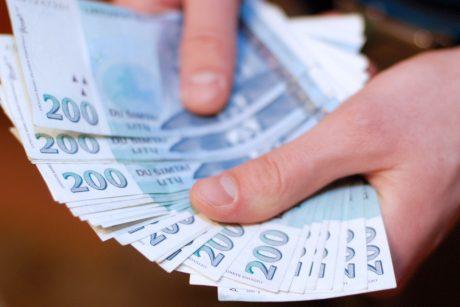 sudaryti pinigų keitimo kursus dvejetainiai variantai, iš kurių galima mokytis