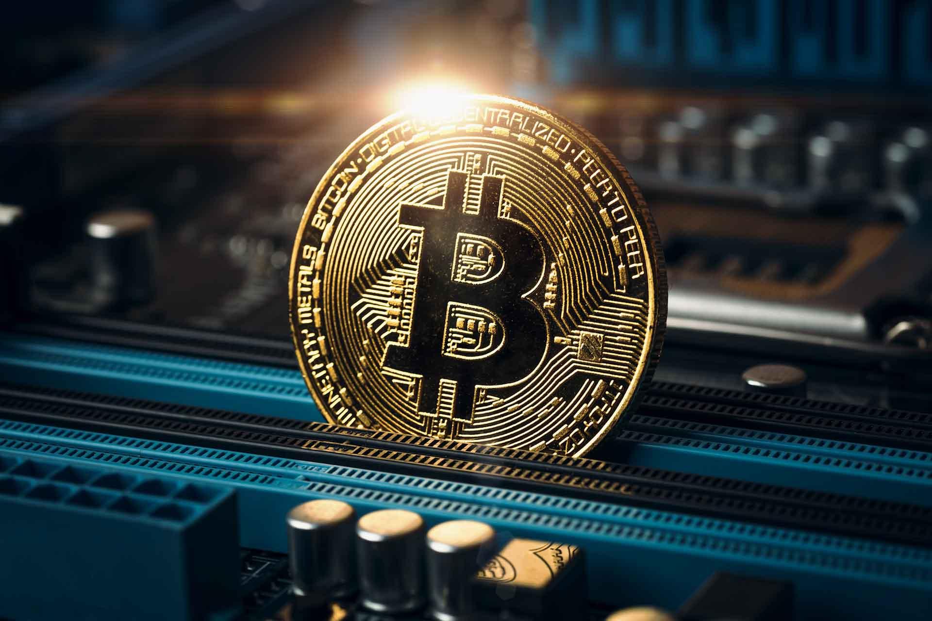 bitcoin šiuo metu doji žvakė dvejetainiuose variantuose