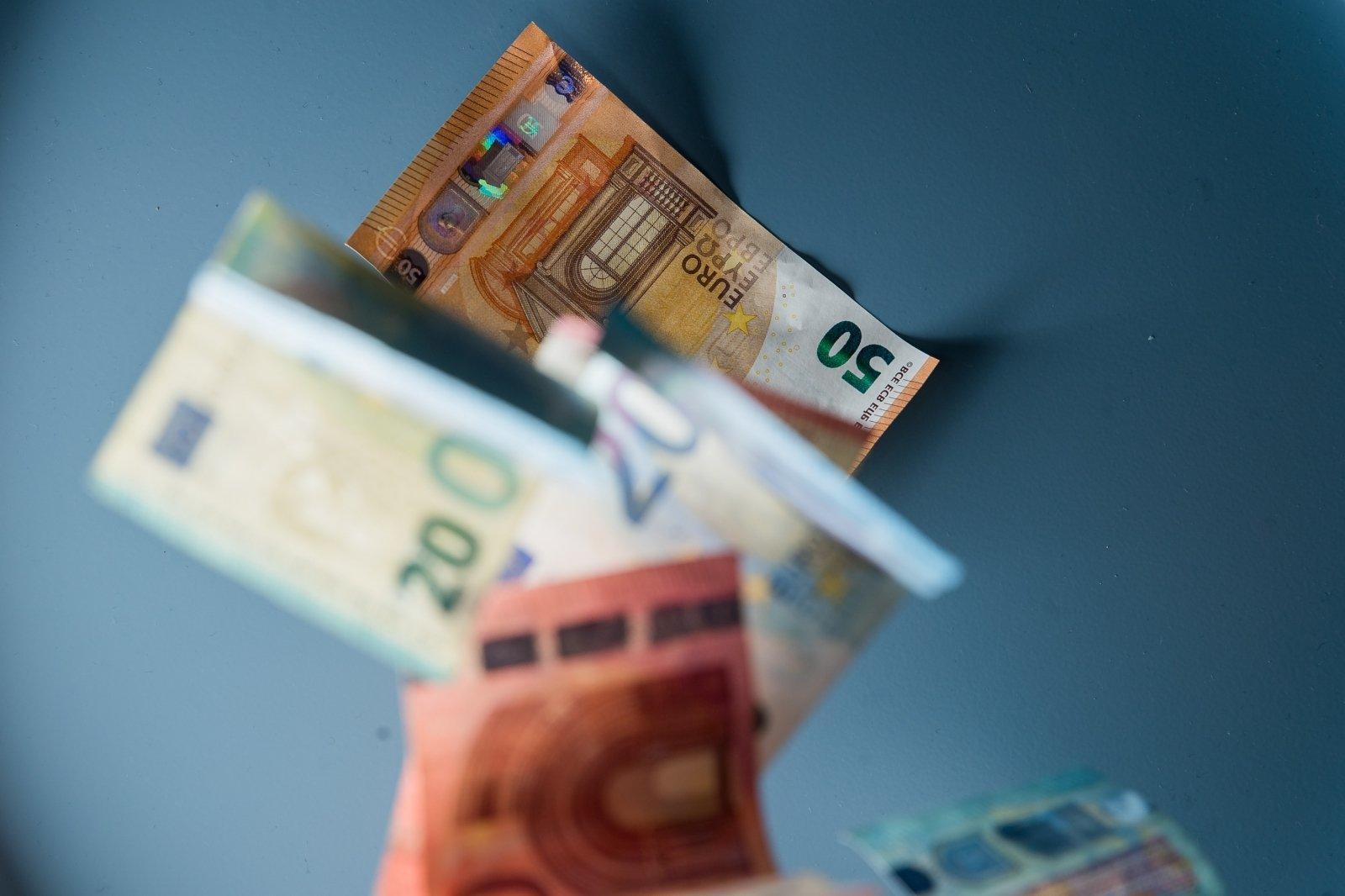 kaip užsidirbti pinigų bandomajam važiavimui nauja dvejetainių opcionų strategijose